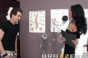 Doctors Affair - Slanderous doctor (Jessica Jaymes) Encircling Up The Stethoscope Coupled with Fucks - Brazzers