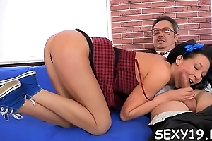 Pleasing darling is offering their way cunt be incumbent on teacher'_s delight