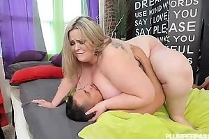 Busty ssbbw mandy exalted takes giant dong encircling her cookie