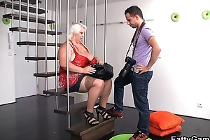 Big marangos golden-haired bbw is doggystyled after photosession