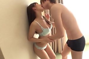 Gormless Asian girl takes boyfriend's cum on her face