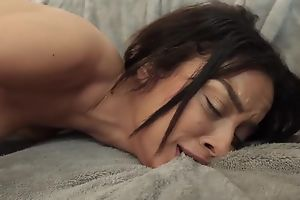 Petite babe masturbates in be transferred to bathroom to the fore obtaining fucked